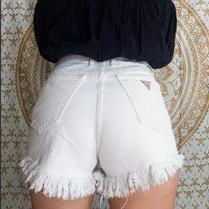 Rare Vintage Cream Guess Shorts! 💕